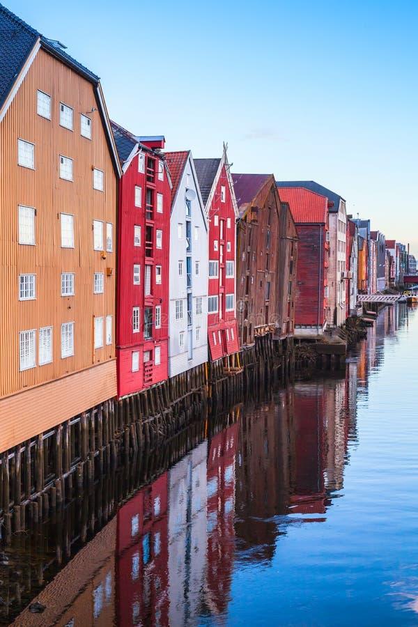 Τρόντχαιμ, Νορβηγία Κάθετη φωτογραφία στοκ φωτογραφίες