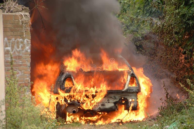 τρόπος πυρκαγιάς αυτοκινήτων αλεών στοκ φωτογραφία