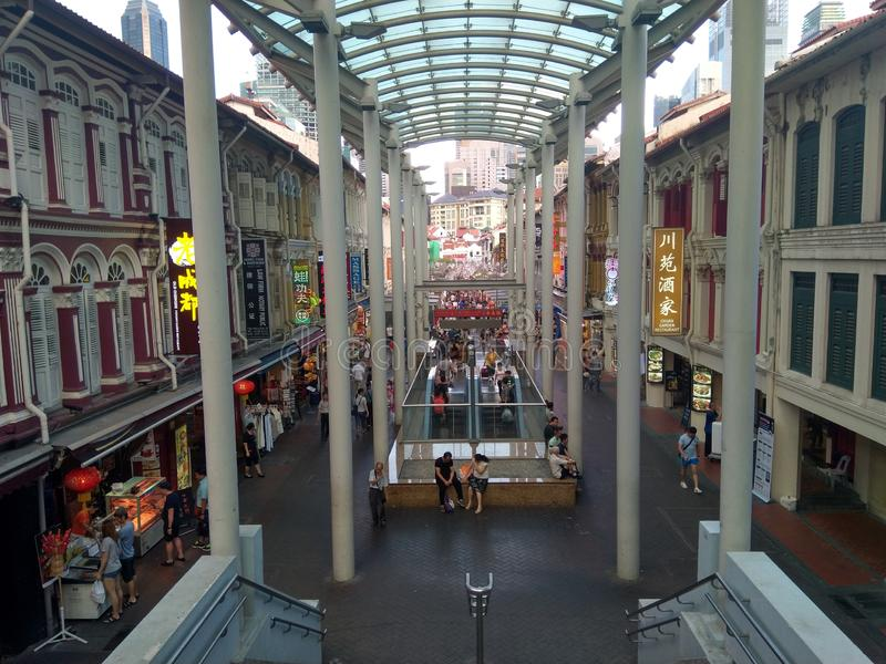 Τρόφιμα αγορών πλήθους οδών της Σιγκαπούρης Chinatown Κίνα στοκ φωτογραφίες