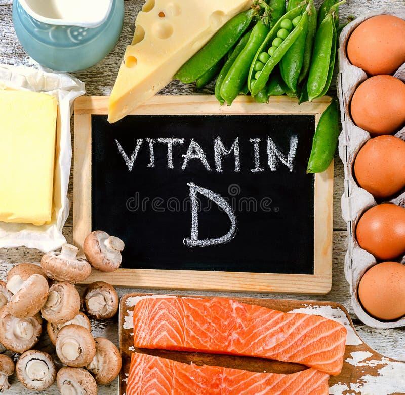 Τρόφιμα πλούσια σε βιταμίνη d κατανάλωση έννοιας υγιής στοκ εικόνες