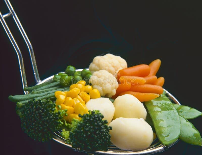 τρόφιμα υγιή βρασμένα στον ατμό λαχανικά στοκ φωτογραφία με δικαίωμα ελεύθερης χρήσης