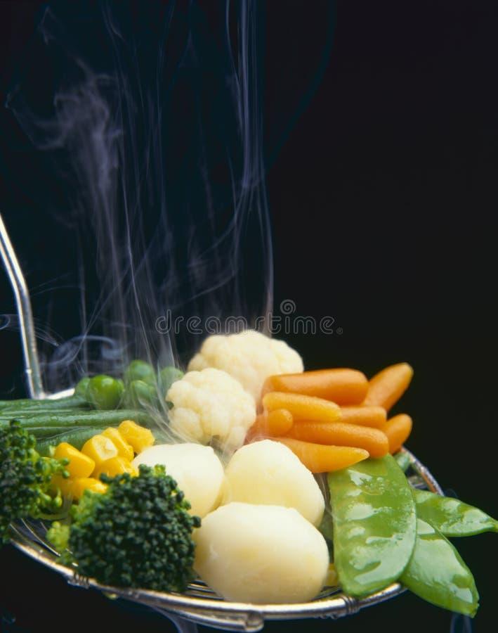 τρόφιμα υγιή βρασμένα στον ατμό λαχανικά στοκ εικόνες