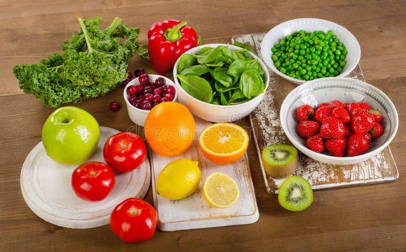 Τρόφιμα υψηλά στην βιταμίνη C στοκ εικόνα
