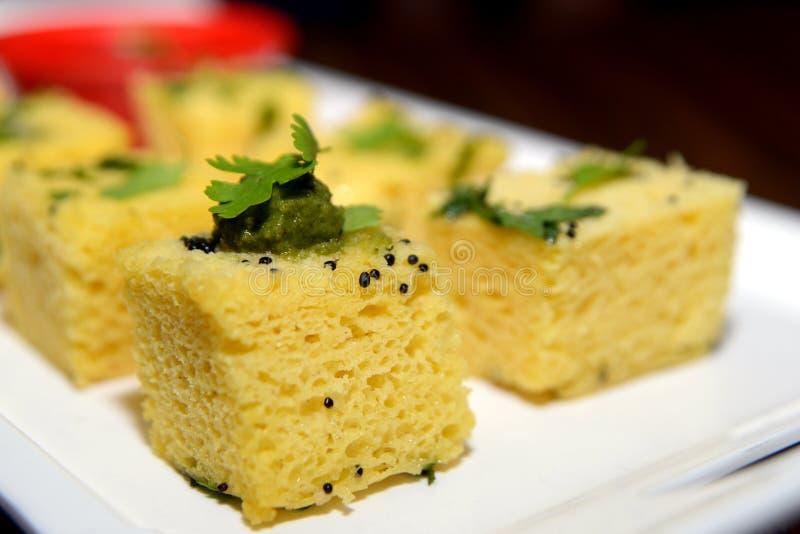 Τρόφιμα Dhokla, ινδικά περιφερειακά τρόφιμα Gujarati στοκ φωτογραφία με δικαίωμα ελεύθερης χρήσης