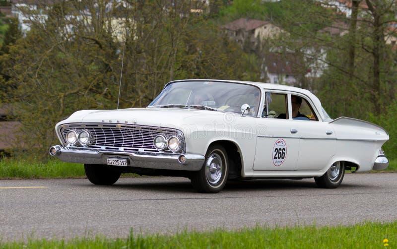 τρύγος πρωτοπόρων τεχνάσματος βελών αυτοκινήτων του 1961 v8 στοκ φωτογραφία με δικαίωμα ελεύθερης χρήσης