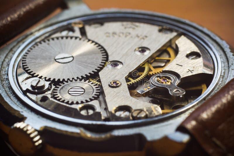 Τρύγος wristwatch χωρίς πίσω κάλυψη στοκ φωτογραφία