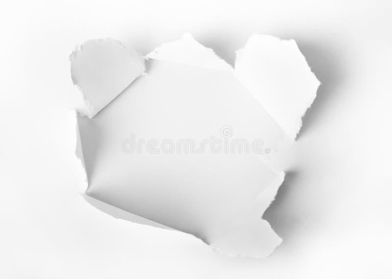 Τρύπα που τρυπιέται με διατρητική μηχανή στο έγγραφο στοκ εικόνα με δικαίωμα ελεύθερης χρήσης