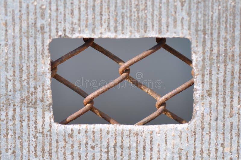Τρύπα πυλών με το καλώδιο στοκ εικόνες με δικαίωμα ελεύθερης χρήσης