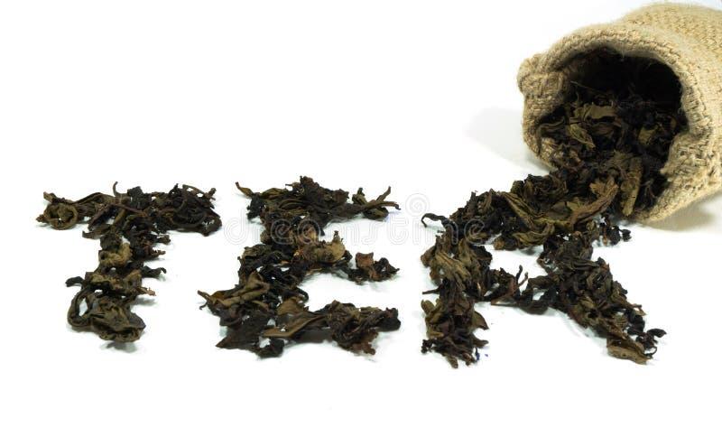 Τσάι λέξης φιαγμένο από ξηρά φύλλα στοκ φωτογραφίες με δικαίωμα ελεύθερης χρήσης
