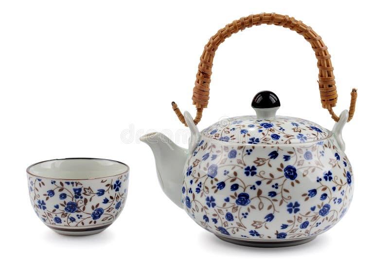 τσάι δοχείων φλυτζανιών στοκ εικόνα με δικαίωμα ελεύθερης χρήσης