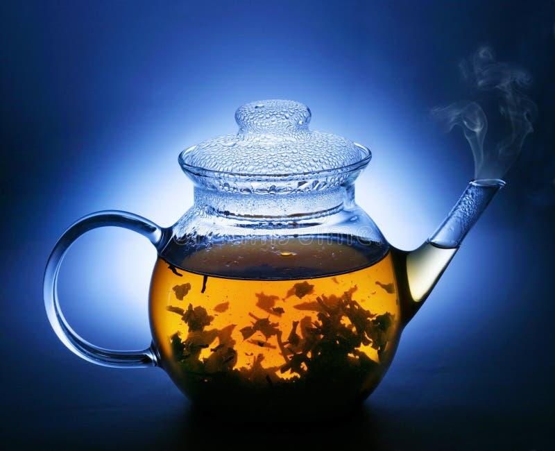 τσάι δοχείων στοκ φωτογραφία με δικαίωμα ελεύθερης χρήσης
