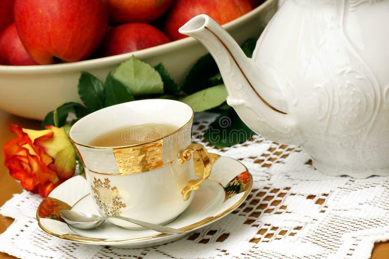 τσάι ευχαρίστησης στοκ εικόνα με δικαίωμα ελεύθερης χρήσης