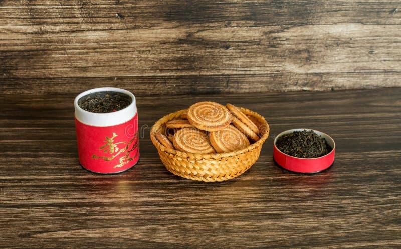 Τσάι και μπισκότα στοκ φωτογραφία