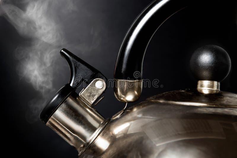 τσάι κατσαρολών στοκ φωτογραφία με δικαίωμα ελεύθερης χρήσης