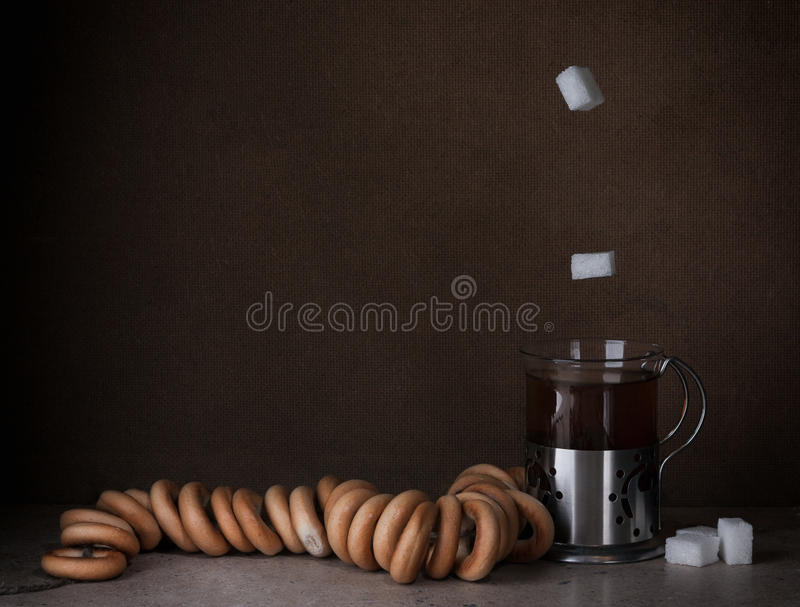 Τσάι με τους στεγνωτήρες στοκ φωτογραφία