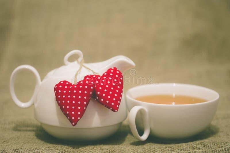 Τσάι πρωινού βαλεντίνου στοκ εικόνες με δικαίωμα ελεύθερης χρήσης