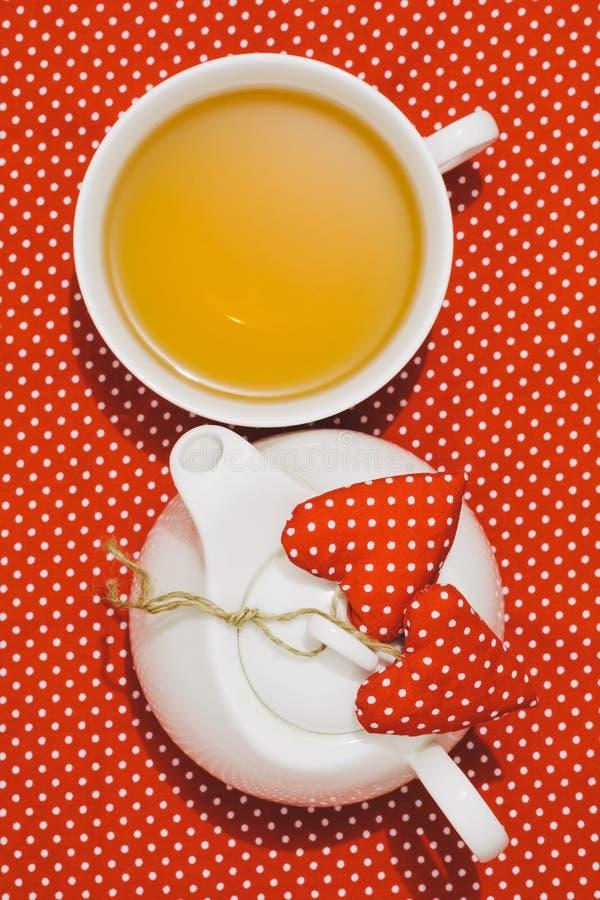 Τσάι πρωινού βαλεντίνου στοκ φωτογραφία με δικαίωμα ελεύθερης χρήσης