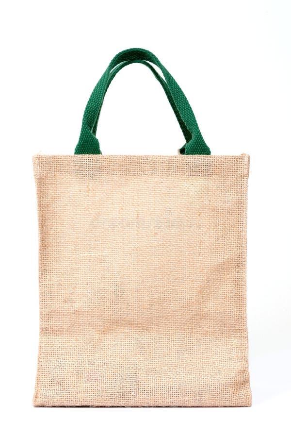 Τσάντα αγορών που γίνεται από τον ανακυκλωμένο Hessian σάκο στο άσπρο backgrou στοκ εικόνες