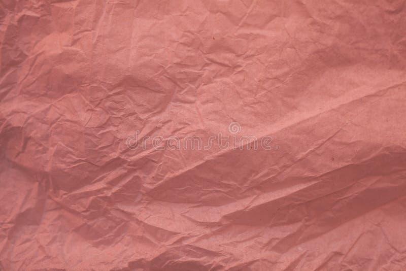 Τσαλακωμένα ανακυκλωμένα ρόδινα σύσταση και υπόβαθρο εγγράφου για το σχέδιο Κλείστε επάνω την άποψη ζαρωμένης της περίληψη ρόδινη στοκ εικόνα