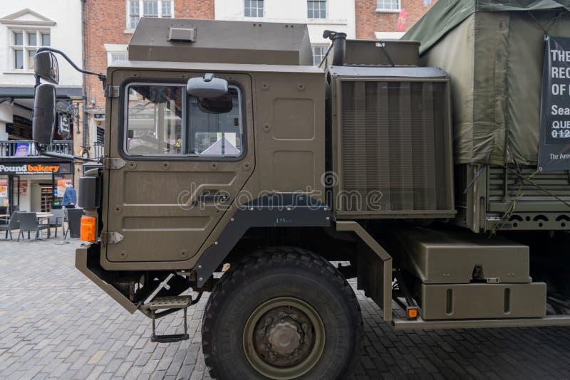 ΤΣΕΣΤΕΡ, UK - 26 ΙΟΥΝΊΟΥ 2019: Ένα φορτηγό στρατού HX60 4x4 που τοποθετείται στην πόλη του Τσέστερ που στρατολογεί για το βρετανι στοκ εικόνες με δικαίωμα ελεύθερης χρήσης