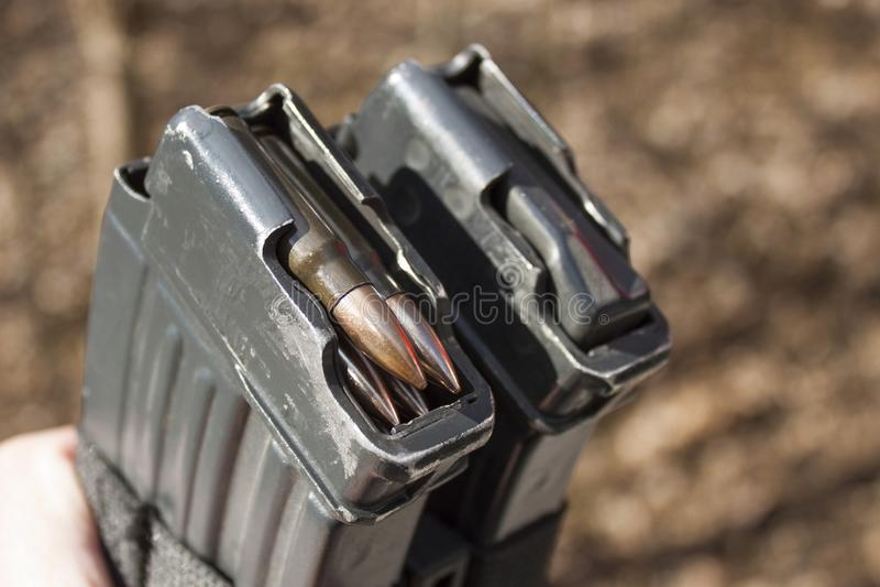 Τσεχικό περιοδικό vz επιθετικό τουφέκι 58 με τα πυρομαχικά 7 62 χιλ. στοκ φωτογραφία με δικαίωμα ελεύθερης χρήσης