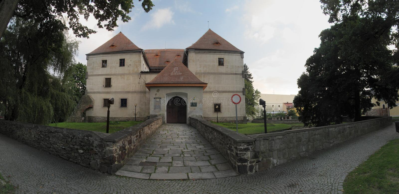 Download τσεχικό Jesenik κάστρων Repbulic Στοκ Εικόνα - εικόνα από πόρτα, δημοκρατία: 17056291