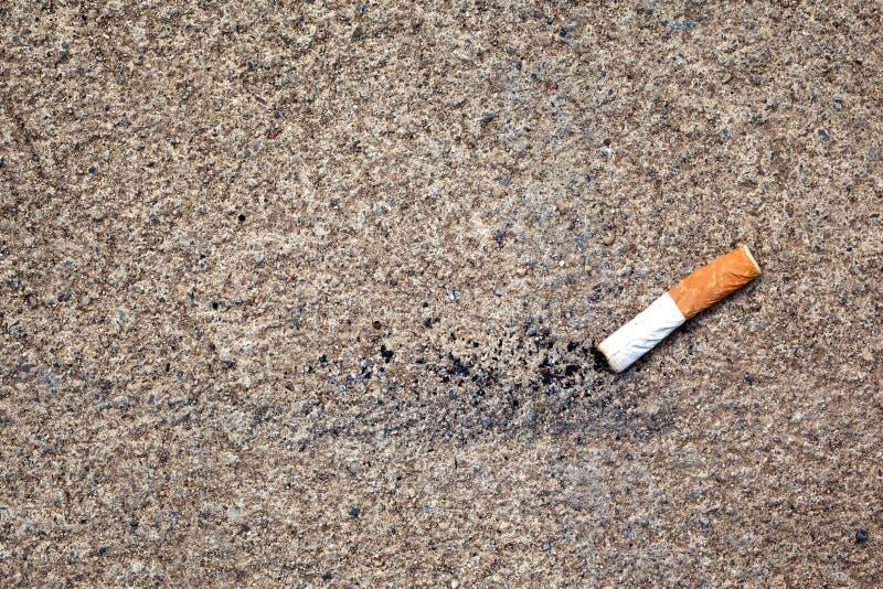 Download Τσιγάρα φίλτρων στοκ εικόνες. εικόνα από τέφρες, εγκαταλείψτε - 22780600