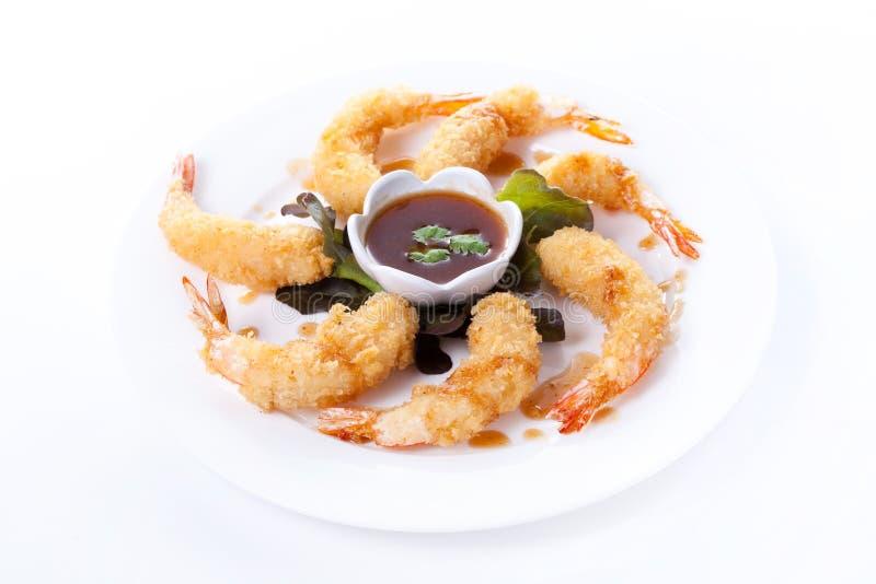 Τσιγαρισμένες γαρίδες με τη σάλτσα στοκ φωτογραφία
