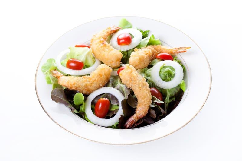 Τσιγαρισμένες γαρίδες με τη σαλάτα και τη μαγιονέζα στοκ εικόνα με δικαίωμα ελεύθερης χρήσης