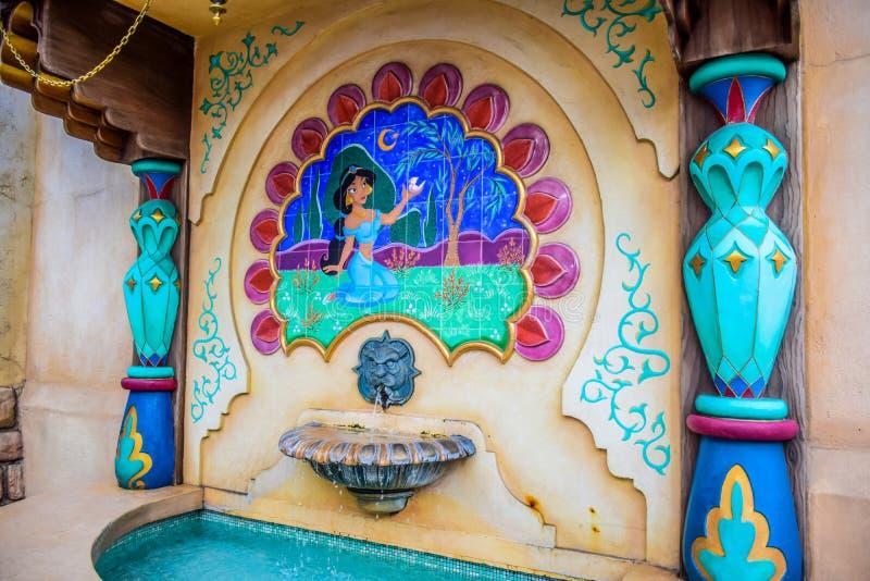 ΤΣΙΜΠΑ, ΙΑΠΩΝΙΑ - ΤΟ ΜΆΙΟ ΤΟΥ 2016: Πηγή της Jasmine στην αραβική περιοχή έλξης ακτών στο Τόκιο Disneysea που βρίσκεται σε Urayas στοκ φωτογραφία