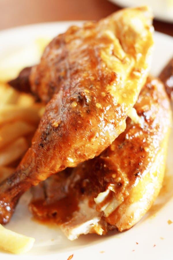 τσιπ κοτόπουλου που ψήνονται στη σχάρα στοκ φωτογραφίες με δικαίωμα ελεύθερης χρήσης