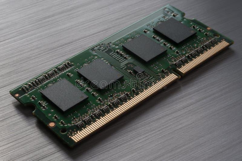 Τσιπ υπολογιστή στο βουρτσισμένο μέταλλο στοκ εικόνες με δικαίωμα ελεύθερης χρήσης