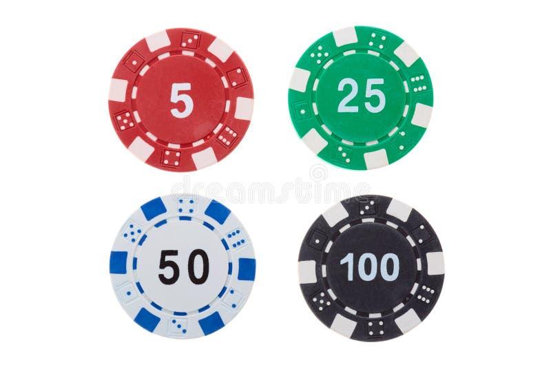 Τσιπ χαρτοπαικτικών λεσχών παιχνιδιού πόκερ του διαφορετικού κόστους που απομονώνεται στο άσπρο υπόβαθρο στοκ εικόνα με δικαίωμα ελεύθερης χρήσης