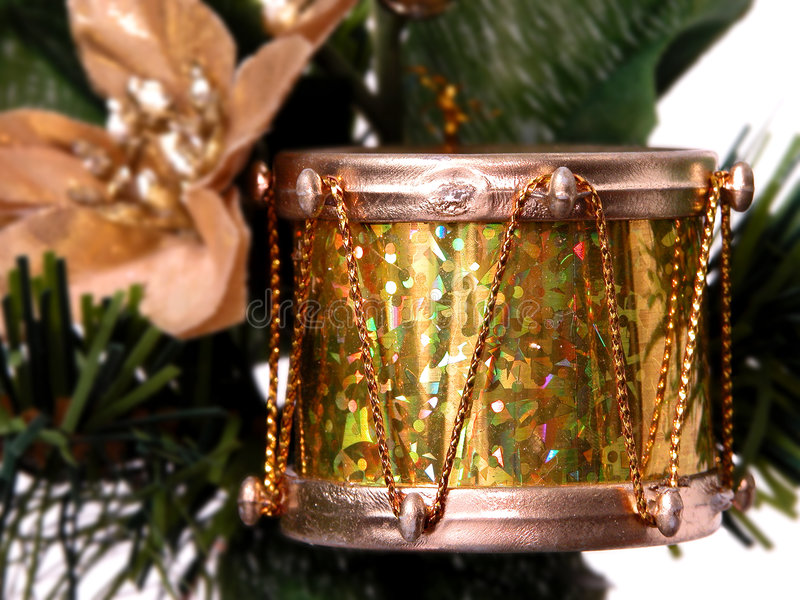 τυμπάνων εποχιακός λαμπρός διακοπών φύλλων αλουμινίου χρυσός στοκ φωτογραφία με δικαίωμα ελεύθερης χρήσης
