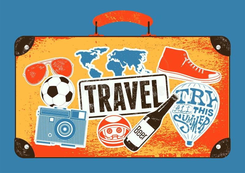 Τυπογραφική αναδρομική αφίσα ταξιδιού grunge Εκλεκτής ποιότητας παλαιά βαλίτσα σχεδίου με τις ετικέτες επίσης corel σύρετε το διά απεικόνιση αποθεμάτων
