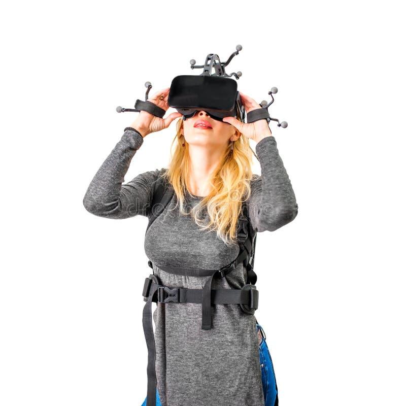 Τυποποιημένος εξοπλισμός στη γυναίκα στη λέσχη vr στοκ εικόνα με δικαίωμα ελεύθερης χρήσης