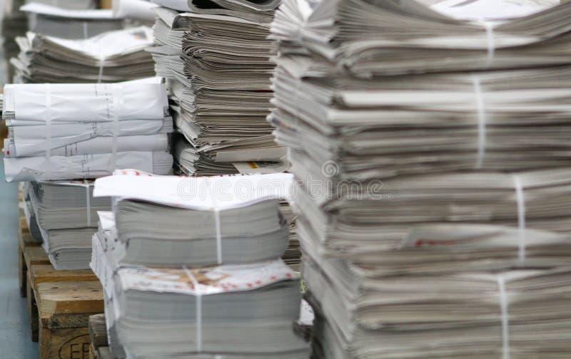 Τυπωμένος σωρός εφημερίδων στοκ εικόνα