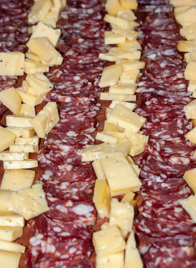 τυρί και σαλάμι, λιχουδιές από την Αργεντινή στοκ φωτογραφίες