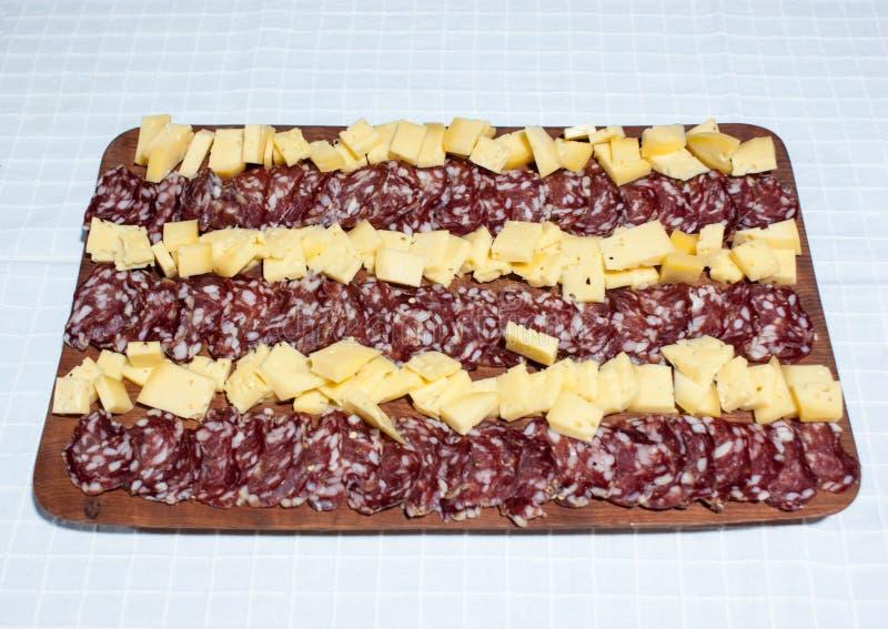 τυρί και σαλάμι, λιχουδιές από την Αργεντινή στοκ εικόνα