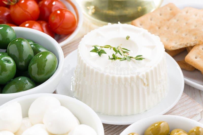 Τυρί και τουρσιά κρέμας στοκ εικόνα με δικαίωμα ελεύθερης χρήσης