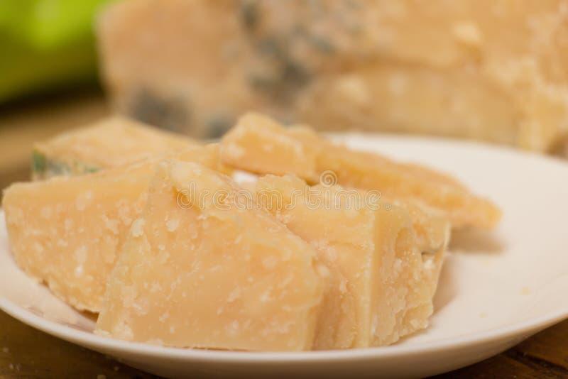 Download Τυρί παρμεζάνας στοκ εικόνες. εικόνα από πράσινος, cheddar - 62721260