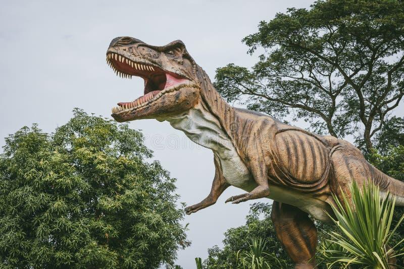 Τυραννόσαυρος - προϊστορικός δεινόσαυρος εποχής στοκ φωτογραφίες