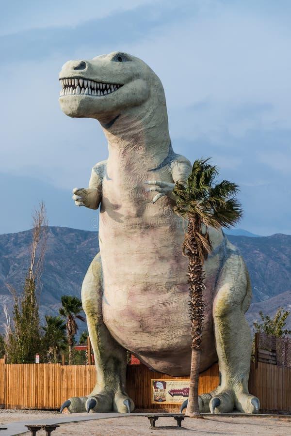 Τυραννόσαυρος Rex δεινοσαύρων Cabazon στοκ εικόνα