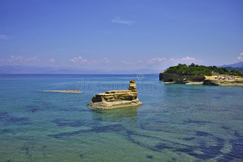 Τυρκουάζ νερά της Κέρκυρας στοκ φωτογραφία με δικαίωμα ελεύθερης χρήσης