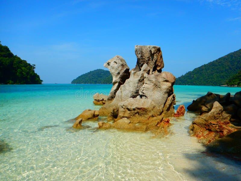 Τυρκουάζ νερό στο νησί Ταϊλάνδη Surin στοκ εικόνες με δικαίωμα ελεύθερης χρήσης