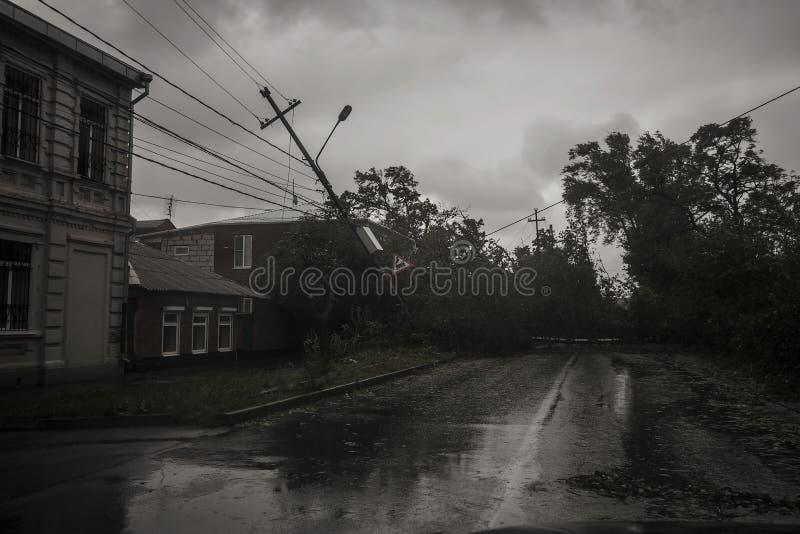 Τυφώνας στην πόλη του Ταγκανρόγκ, περιοχή του Ροστόφ, Ρωσική Ομοσπονδία στις 24 Σεπτεμβρίου 2014 στοκ εικόνα