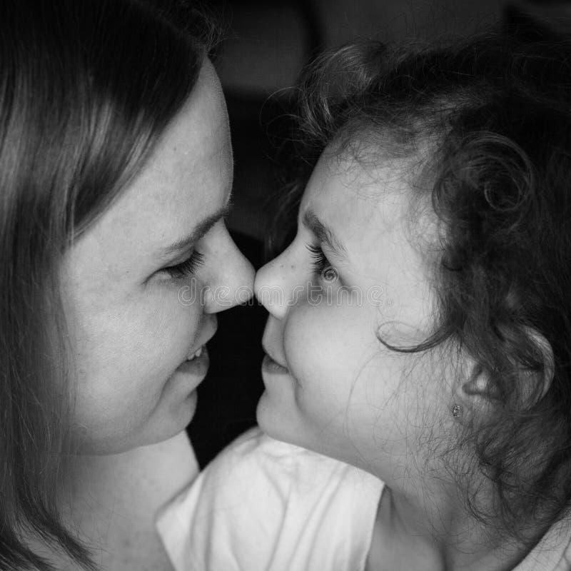 Των Εσκιμώων φιλιά στοκ φωτογραφίες