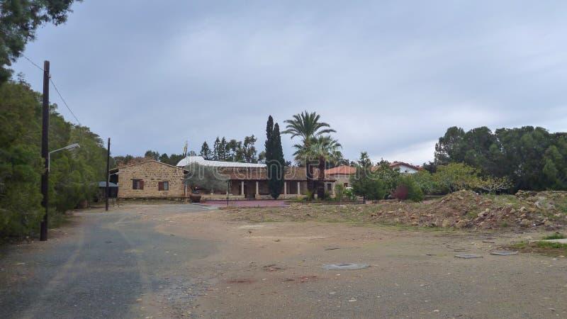 Τόνος του Νικόλαος επιβαρύνσεων μοναστηριών gaton στο episkopi στην Κύπρο στοκ φωτογραφία με δικαίωμα ελεύθερης χρήσης