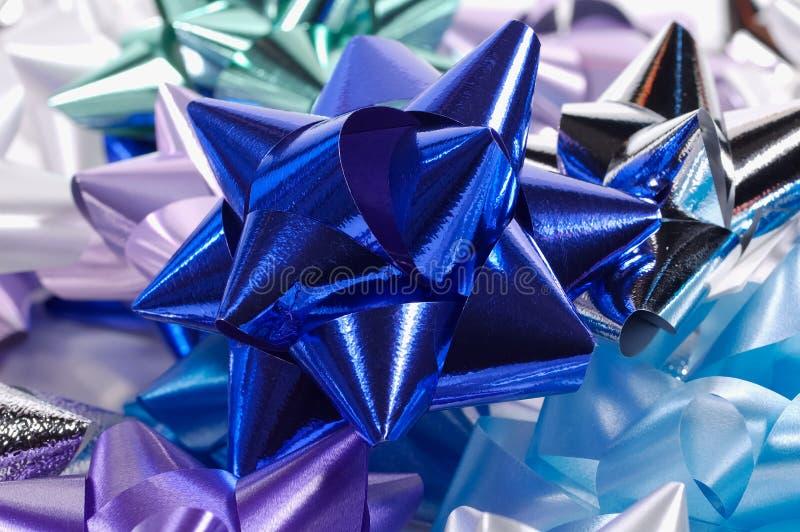 Download τόξα στοκ εικόνες. εικόνα από χριστούγεννα, κορδέλλα, γεγονός - 393040