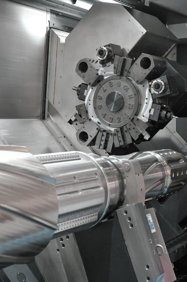 Τόρνος, CNC άλεση στοκ φωτογραφία με δικαίωμα ελεύθερης χρήσης
